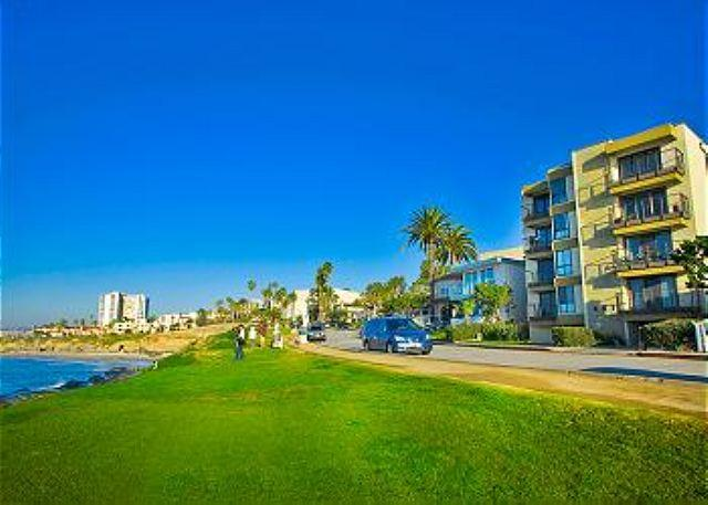 Condo on Coast Blvd. is located across the street from the ocean - #202 - Oceanfront Delight - La Jolla - rentals