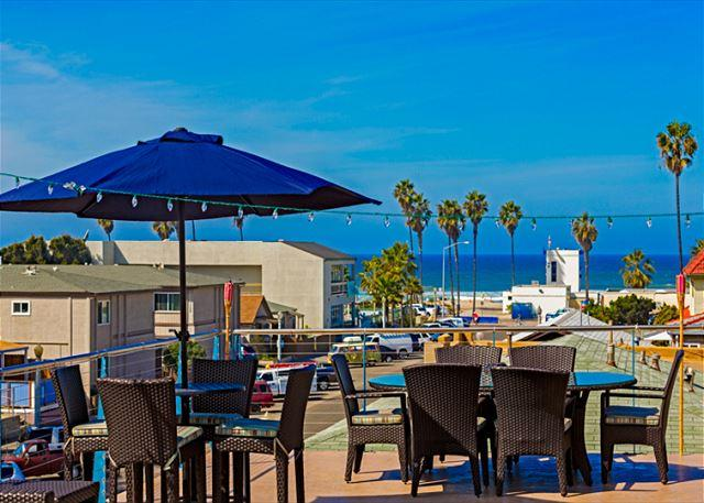 Enjoy the view from the large rooftop patio - #5010 - Forever Summer - San Diego - rentals