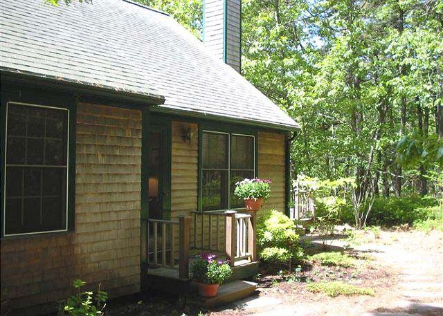 Front of House - BLOOC - Vineyard Haven - rentals