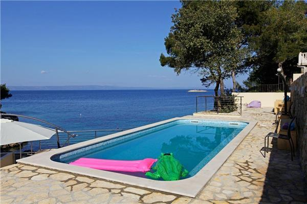 Holiday house for 20 persons, with swimming pool , near the beach in Korcula - Image 1 - Blato - rentals