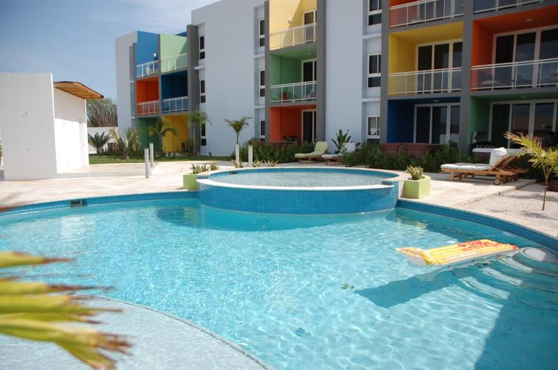 Isla Bonita Spacious Modern 2 bedroom Apartment - Image 1 - Oranjestad - rentals