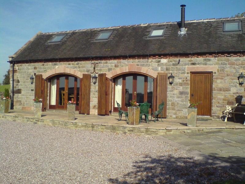 relax in a 4 star gold awarded luxury self catering modern holiday cottage, recently converted - Ballfields Barn, Self catering holiday cottage - Leek - rentals