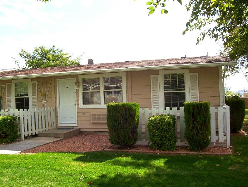 Inside fully remodeled in 2007 - Affordable, Spring Tree, 1 bedroom Condo - Saint George - rentals