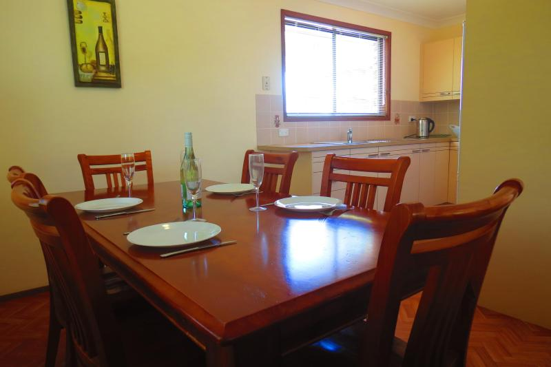 Dining room - Husky By The Sea Cottage - Huskisson - rentals