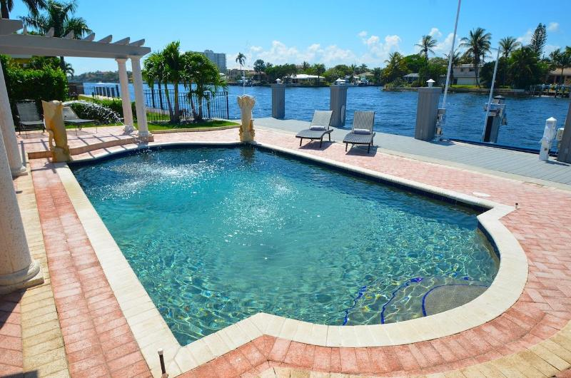 Spectacular Heated Pool & Lounge Area Overlooking Intracoastal Waterway Offering Stunning Views... - Spectacular Intracoastal 4 BD 3 BA Heated Pool - Lauderdale by the Sea - rentals