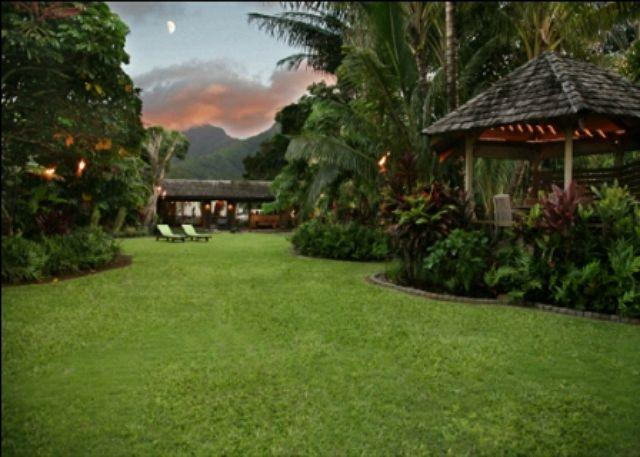 View from beachfront gate at sunset. - Hale Maluhia - Hanalei - rentals