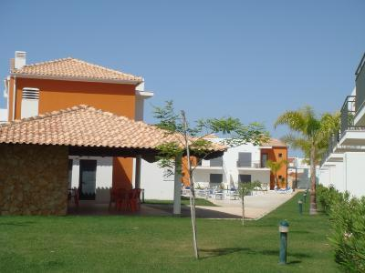 TWO BEDROOM TOWNHOUSE IN CONDO WITH POOL IN PERA REF. JPE108971 - Image 1 - Silves - rentals