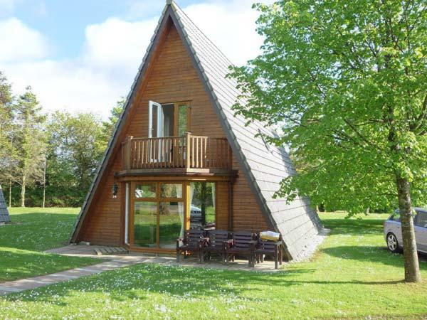 KESTREL LODGE, on-site pool, gym & spa, Jacuzzi bath, en-suite facilities, detached lodge near Lanivet, Ref. 12346 - Image 1 - Lanivet - rentals