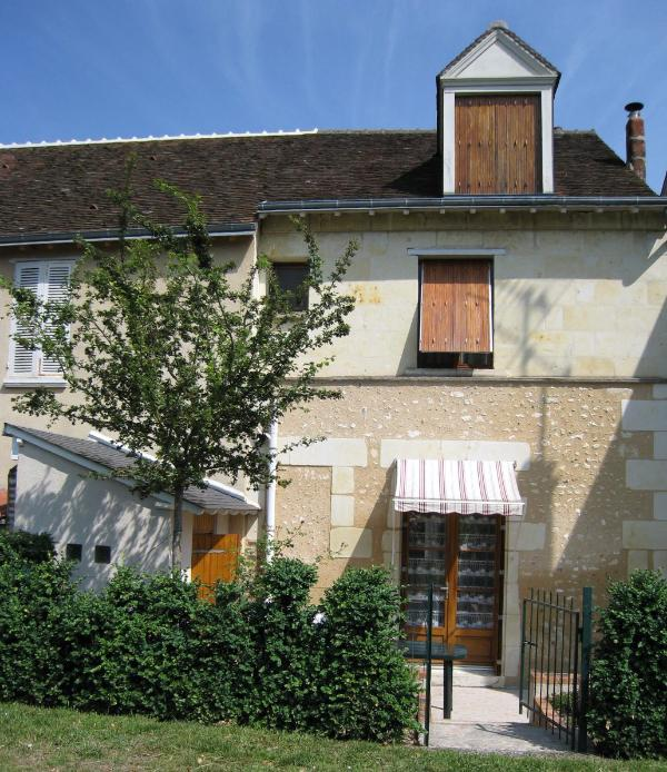 House as seen from the riverside garden - Cozy Village House on the Loir River - Troo - rentals