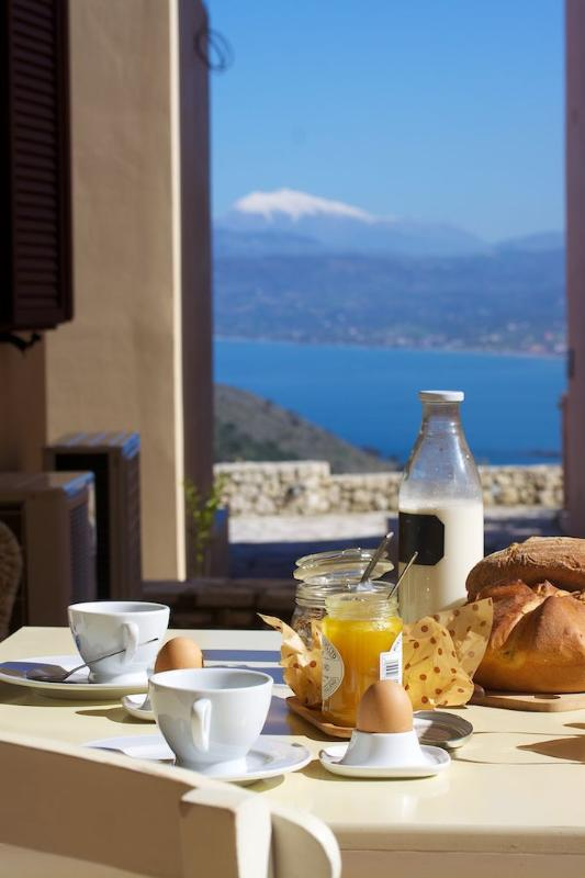 BREAKFAST WITH AMAZING VIEW - MYRTLE-MORFI VILLAGE - Exopoli - rentals