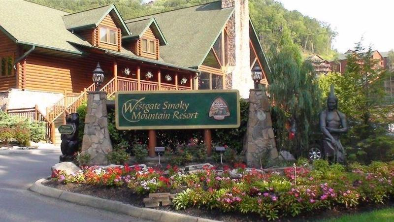 Westgate Smoky Mountain Resort Resort and Water Park with gorgeous views ***Special Rate for Aug 22nd to Aug 29th*** - Image 1 - Gatlinburg - rentals