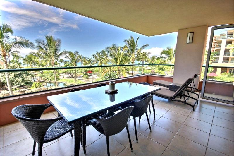 Outside dining with a view. Enjoy the calm Maui trade winds on your private lanai. - Honua Kai #HKK-201 Kaanapali, Maui, Hawaii - Kaanapali - rentals