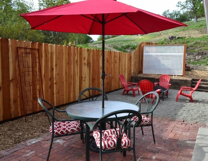 Outdoor dining - 3 Kings on Pacific - Paso Robles - rentals