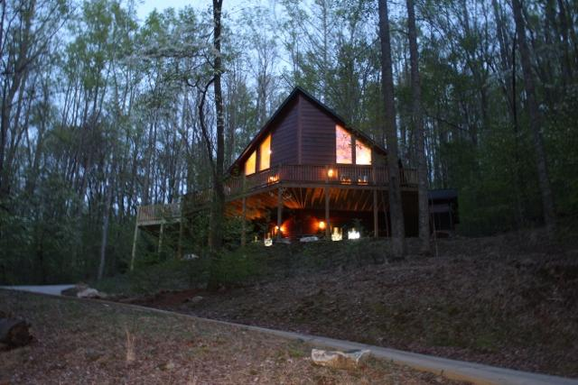 Beautiful prow front cabin on mountain side. - Perfect Cabin for 2-6- Fantastic Ammenities - Ellijay - rentals