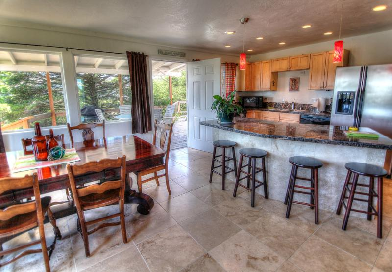 The Nautica Beach House!  - Quiet, Private, Beach House with New Hot Tub! - Waldport - rentals