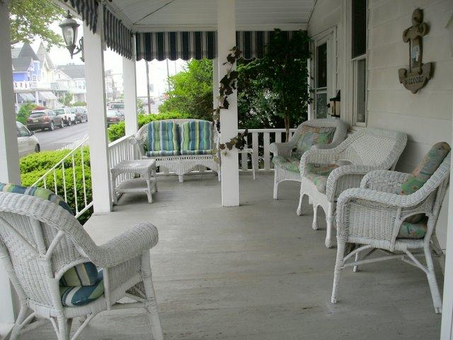 Front Porch - Sweet Apartment on 2nd Beach Block In Beautiful, Victorian Ocean Grove!  Block SLEEPS 4 - Ocean Grove - rentals