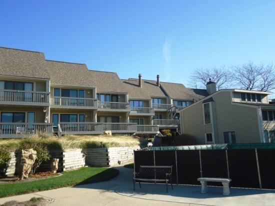 Front of condo development - facing Lake Michigan - Harbours 10 - South Haven - rentals