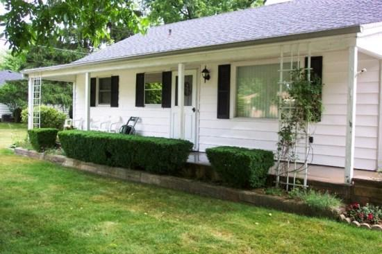 Front of house - 1009 Monroe Boulevard - South Haven - rentals