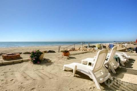 Roll out of bed and put your feet in the sand - On The Beach - Oceanside - rentals