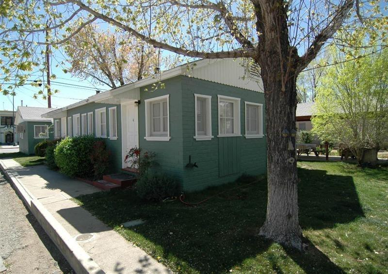 The Perfect Eastern Sierra Vacation Rental Cottage - Image 1 - Big Pine - rentals