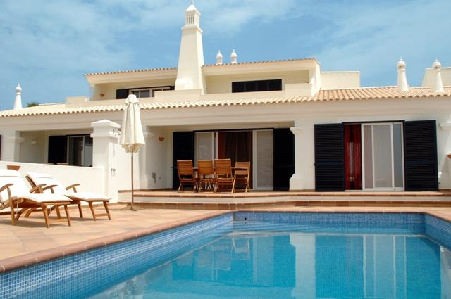 3 BEDROOM VILLA WITH PRIVATE POOL AND BARBECUE IN GREAT RESORT, IN CASTRO MARIM, NEXT TO THE BORDER WITH SPAIN REF.  CMG138646 - Image 1 - Castro Marim - rentals