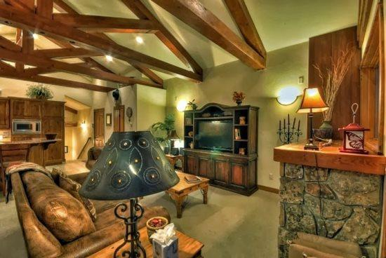 Eagles Overlook Chalet 1 - Image 1 - Steamboat Springs - rentals