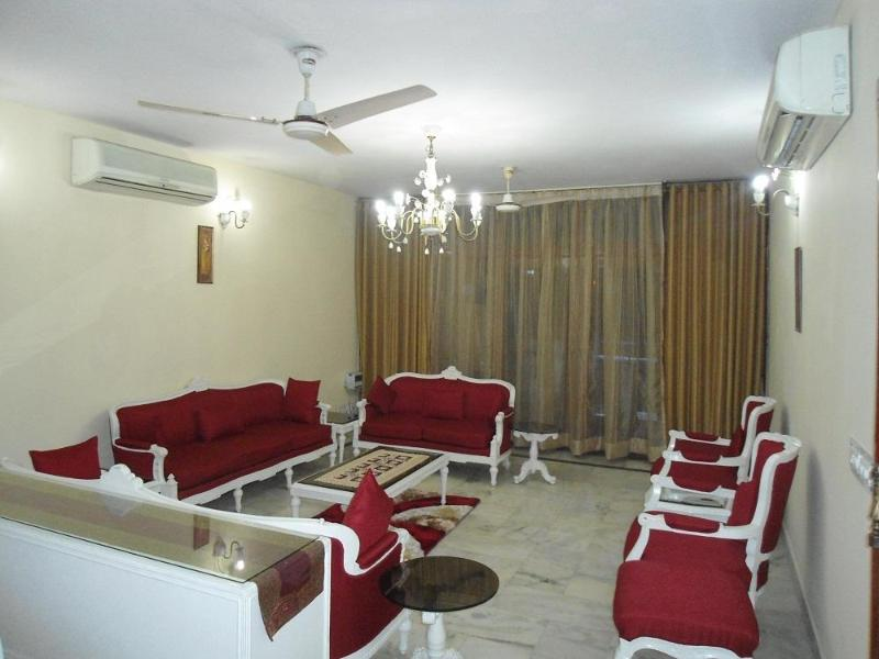 Drawing Room - 3 bedroom serviced apartment @ GK2, Harmony Suites - New Delhi - rentals