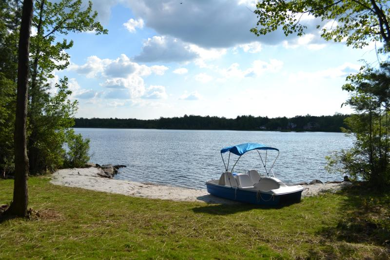 Lakefront ! - LAKEFRONT by Camelback & Casino. Pool. WiFi. A/C. - Mount Pocono - rentals
