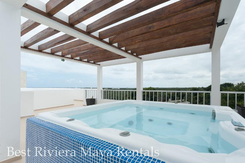 Jacuzzi for  you to use during the stay  - Large new condo, secure great stay! - Akumal - rentals
