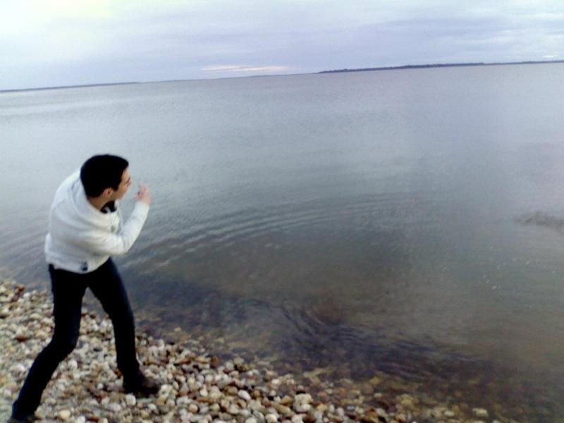 Skipping rocks across the road at Lake King - Skippers on Lake King Metung - beautiful sunsets! - Metung - rentals