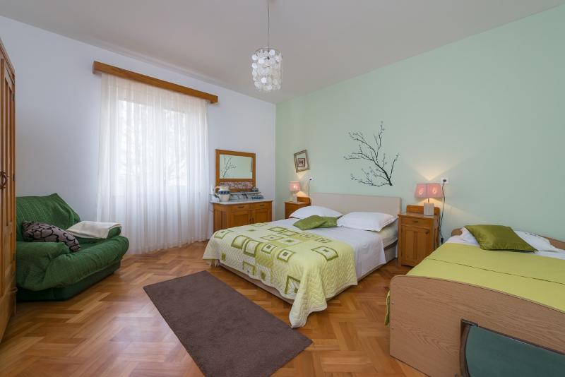 bedroom # 1 - A quiet place for a nice holiday near the beach - Split - rentals
