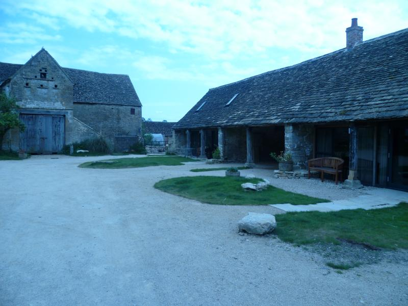 The Cottages - 2 Bedroom (sleeps 4/5)  Converted Barn. - Stroud - rentals