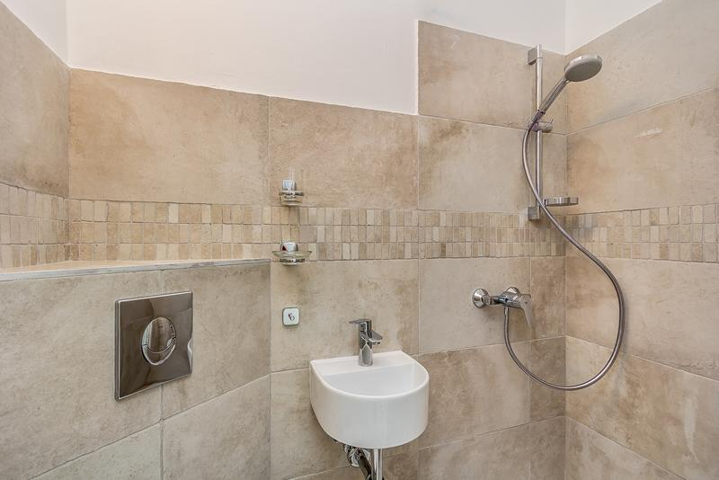 Apartmani Zdenka, app6/1-house for up to 20 people - Image 1 - Pula - rentals
