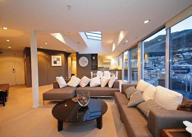 Queenstown Heart Penthouse - Image 1 - Queenstown - rentals