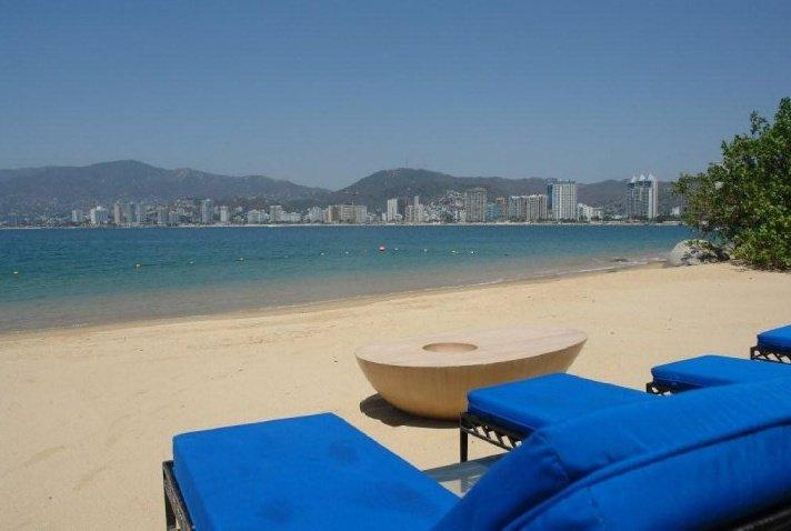ACA -KRM05- Flagship, beachfront villa with dock for yacht - Image 1 - Acapulco - rentals