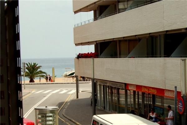 Apartment for 2 persons near the beach in Tossa de Mar - Image 1 - Tossa de Mar - rentals