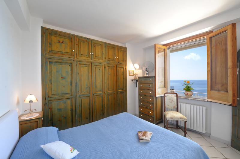 Bedroom - Apartment on Amalfi Coast -Praiano (Italy) - Praiano - rentals