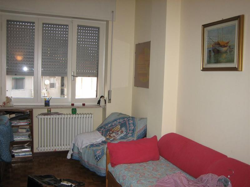 living room - Rent a furnished and suitable flat  for three people in the city centre with a view on the lake - Arona - rentals