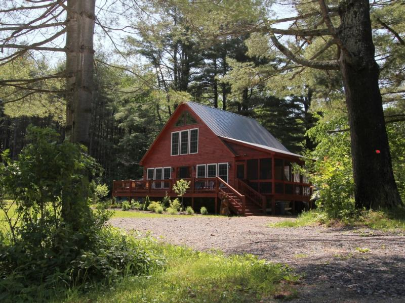 Whispering Pines Wells - Vacation Retreat with Lake Rights On Lake Algonquin in Wells, New York - Wells - rentals