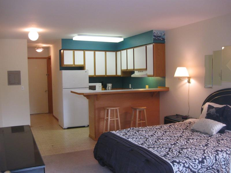 As you enter - Sandpiper 4 of Friday Harbor (Studio) - Friday Harbor - rentals