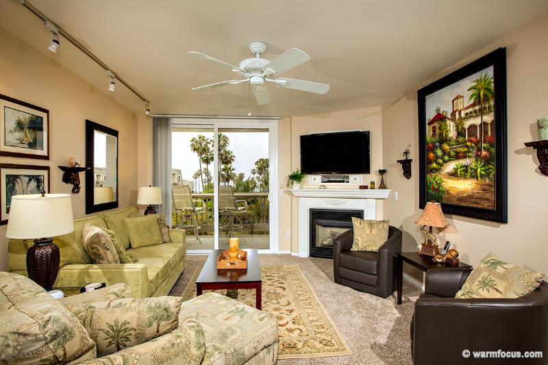 Palm Breezes~Luxury 3BR Ocean/Harbor View Penthouse - Image 1 - Oceanside - rentals