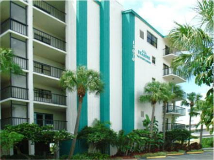 Family Beachfront condo in Madiera Beach florida - Image 1 - Treasure Island - rentals