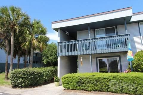 Townhome Front Entrance. iTrip.net Amelia Island Fernandina Beach Vacation Rentals - FREE NIGHT (stay 6 nts get the 7th free) Peaceful 3BR/2BA Condo with Tennis Court and Pool! - Fernandina Beach - rentals