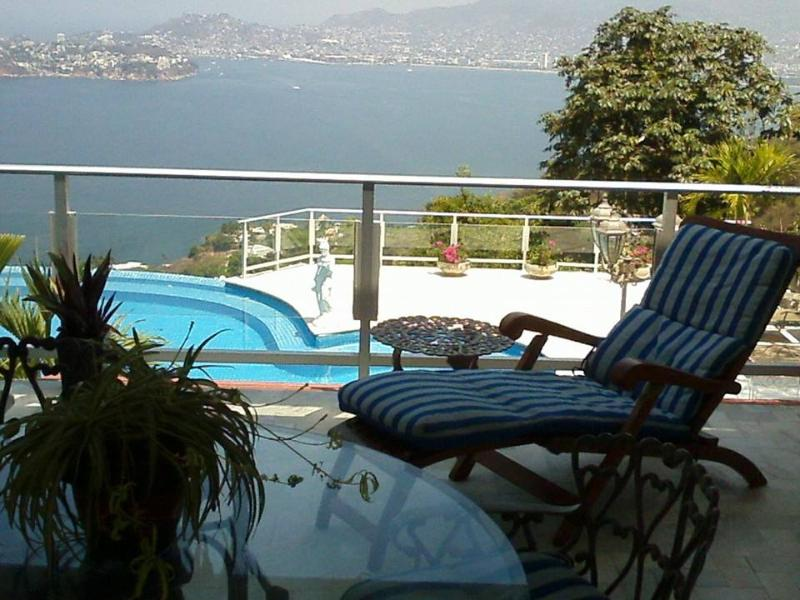 ACA - SUITE NIDO1 -  Enjoy the affordability of a suite, within the luxury of a private villa - Image 1 - Acapulco - rentals