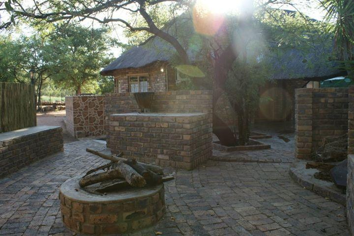 Braai Boma Chalet Family Four Sleeper - Inzimpala - Your Game Farm for a Day - Marble Hall - rentals