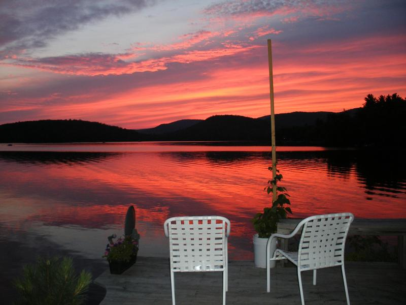 Sunset on the lake - Guesthouse at Sunset Lake - Alton Bay - rentals