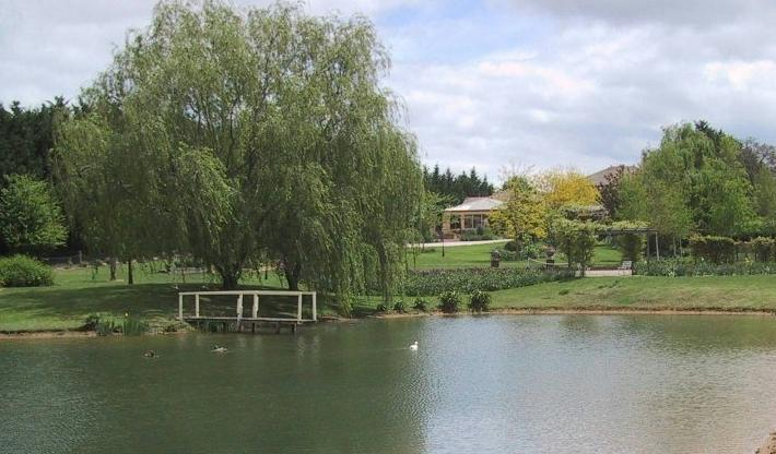 Sit by the lake and relax - Award winning country retreat, escape and relax! - Sutton Forest - rentals