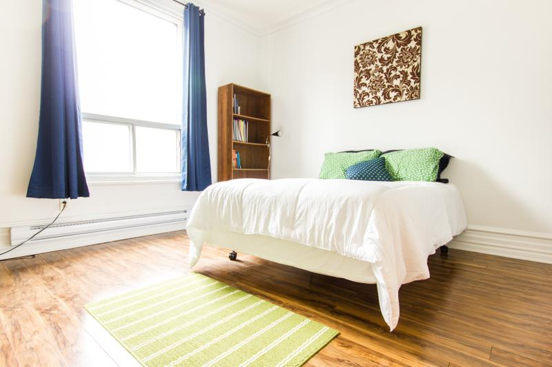 4 BR TOWNHOUSE-HEART OF THE PLATEAU - Image 1 - Montreal - rentals
