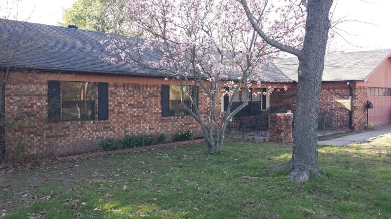 Monet Villa:Walk to Crystal Bridges and the Square - Image 1 - Bentonville - rentals