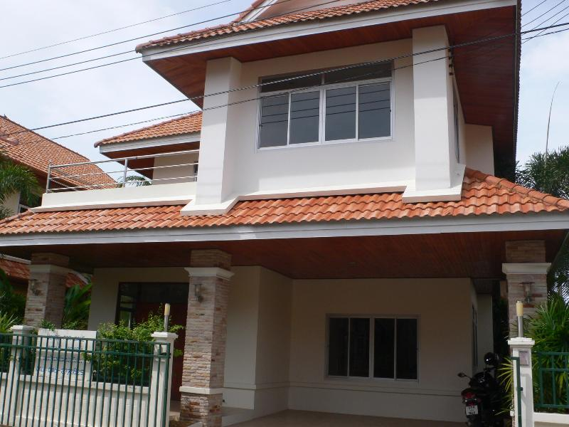 3 Bedrooms Spacious House in Kathu for rent / sale - Image 1 - Phuket - rentals